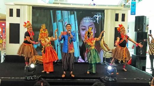 Wonderful Indonesia Goyang OzAsia Festival 2016 di Adelaide