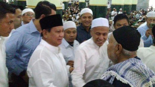 Salat Jumat di Kemenhan, Prabowo Diteriaki Presiden