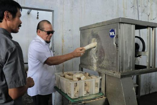 Apresiasi Produsen Keripik, DPD Dukung Pameran UKM Jatim