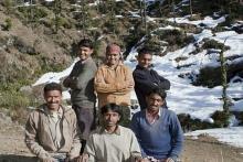 Nikahi 5 Pria Bersaudara, Wanita Ini Bikin Jadwal Begituan dan Tidur Satu Ranjang