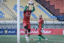 Duel Madura United FC Lawan Persebaya, Ajang Pembuktian Dua Kiper Timnas Indonesia