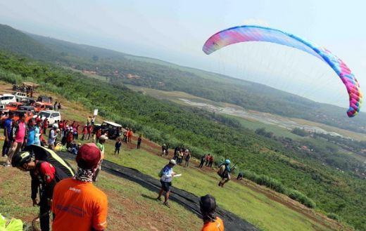 Tercatat 169 Peserta Seri Pertama Paragliding Trip of Indonesia di Batang