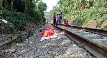 Duduk di Rel, Pria Ini Tewas Tertabrak Kereta Api dengan Kondisi Badan Terbelah