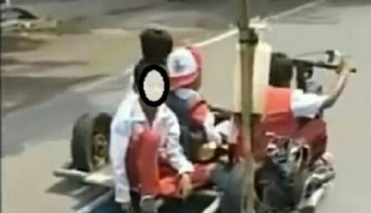 Viral 4 Bocah SD Fasih Kendarai Motor Ekstrem, Sayangnya Tak Pakai Helm!