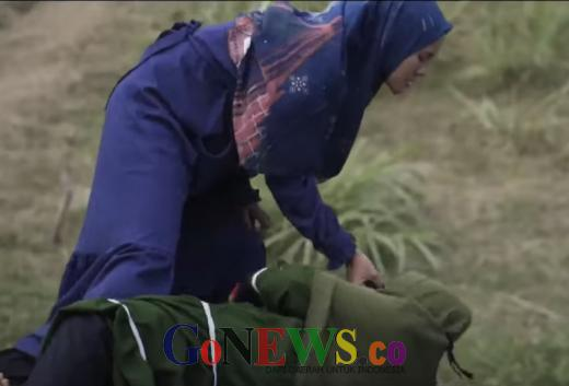 Adegan Muslimah Berkelahi dan Tarik Paksa Cadar, Film yang Disponsori Martha Tilaar Panen Hujatan