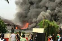 Warga Sebut Sumber Api Kebakaran Lapangan Parkir Senayan City