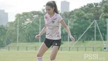 Kisah si Cantik Sabreena Menggeluti Sepakbola