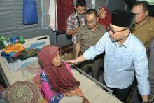 Tiba di NTB, Ketua MPR Kunjungi Pasien Korabn Gempa di RSUD Kota Mataram