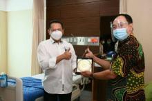 Ketua MPR Ajak Semua Pihak Hargai Tenaga Kesehatan