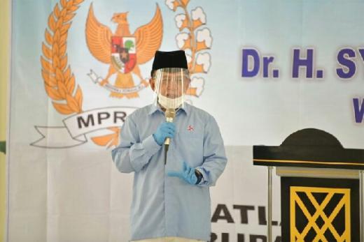 Sosialisasi di Pesantren Al Uzlah, Pimpinan MPR Ajak Santri Implementasikan 4 Pilar