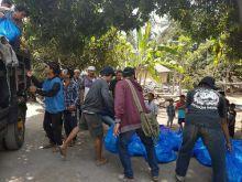 1.260 Paket Bantuan Diserahkan Pemkab Siak ke Korban Bencana di Lombok