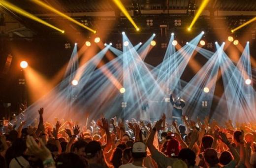 Khofifah Ingin Gelar Konser Ari Lasso, Gugus Tugas Ingatkan Jauhi Kerumunan