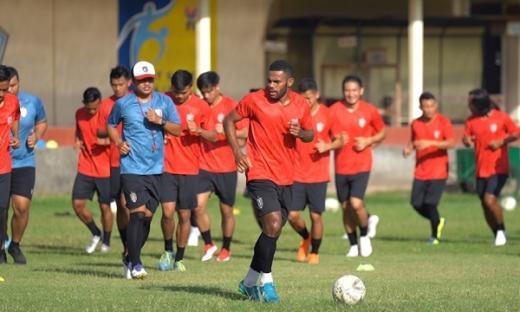 Pelatih Bali United FC Tak Permasalahkan Perubahan Jadwal