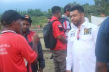 Senator Filep Tagih Janji Kemen ESDM Berikan Kompensasi ke Masyarakat Adat Teluk Bintuni