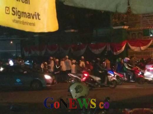 Pamdal DPR Tak Siap, Jamaah MPR Bersholawat Membludak, Parkir Roda Dua Sampai ke Jalan Asia Afrika