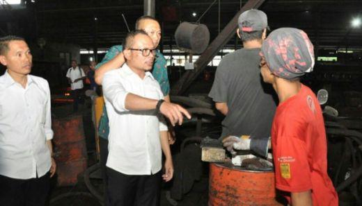 Sidak ke PT Huaxiang, Menaker Hanif Dhakiri Bentak Tenaga Kerja Asal Cina