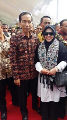 Hadiri Puncak Peringatan Harganas, Erna Taufan Sempatkan Selfi dengan Jokowi