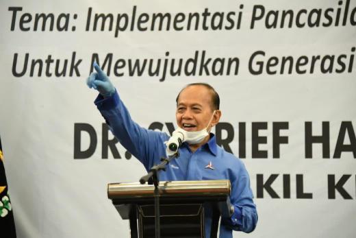 Pimpinan MPR Imbau Masyarakat Tak Takut Divaksin